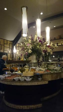 Novilhos Brazilian Steakhouse: Barra de ensalada