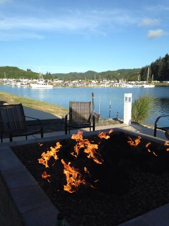 Winchester Bay RV Resort: MAC Firepit