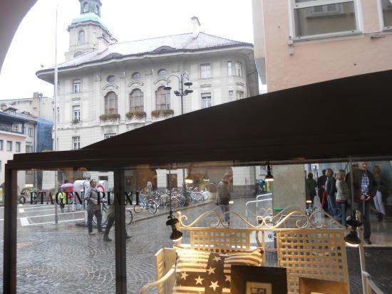 Piazza del Municipio: scorcio della piazza municipale