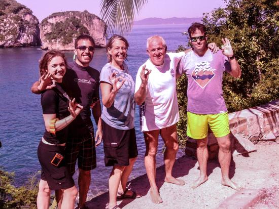 Banderas Scuba Republic : Old and new friends after diving at Los Arcos