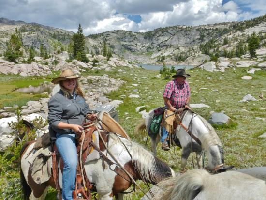 Skyline Guest Ranch and Guide Service : Beartooth Plateau Horse Packing