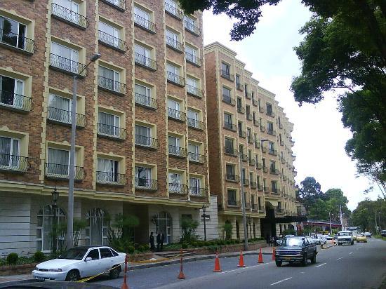 Casa Dann Carlton Hotel & SPA: Desde la calle