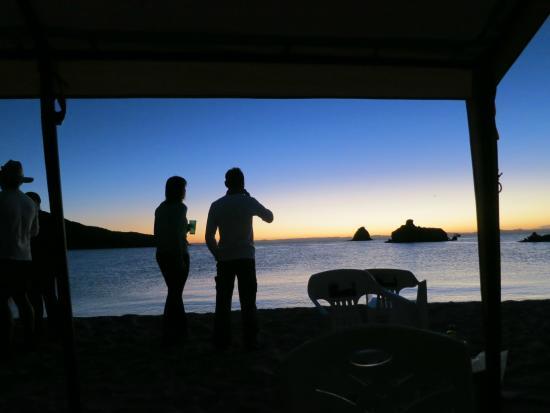 Sea & Adventures: Happy hour Candelera bay