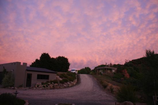 Fraser Highlands Retreat: Sunset