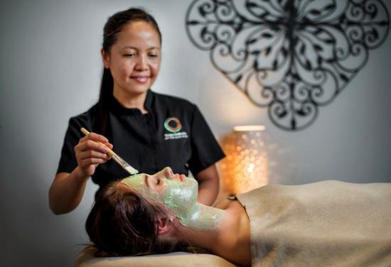 Taupo DeBretts Spa Resort: Enjoy a rejuvenatiing facial at Living Waters Spa