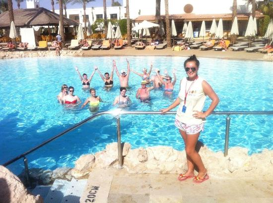 Ghazala Gardens Hotel: Aqua aerobics with the animation team :-)) xxxx