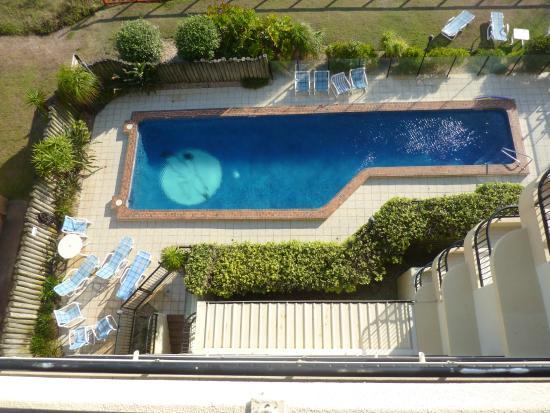 Pelican Sands Beach Resort : Looking down at the pool area