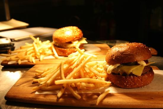 Southern Cross Hotel : Restaurant quality burger