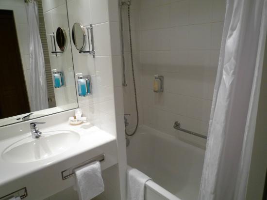 Conrad Hotel de Ville: 水回り