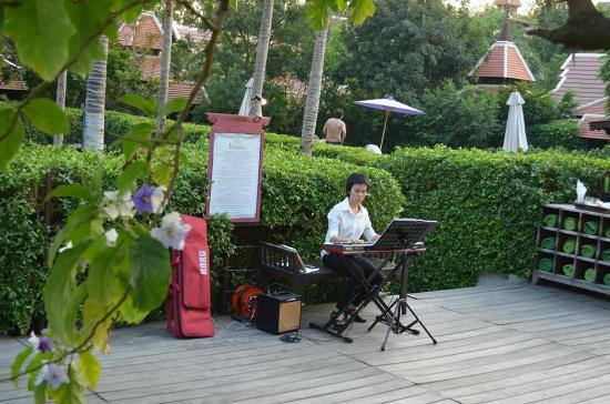 Siripanna Villa Resort & Spa: Music