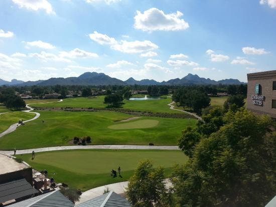 Embassy Suites by Hilton Phoenix-Scottsdale: A view from the balcony