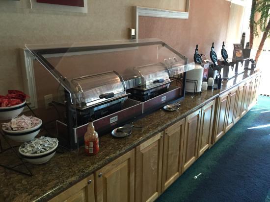 Comfort Inn & Suites Port Canaveral Area: breakfast area