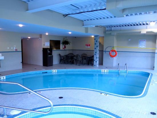 BEST WESTERN Maple Ridge Hotel: Pool