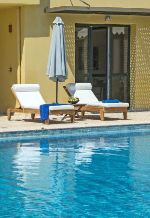 Daphnis Villas: Pool