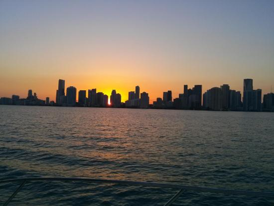 Hang Glide Miami: Sunset over biscayne bay