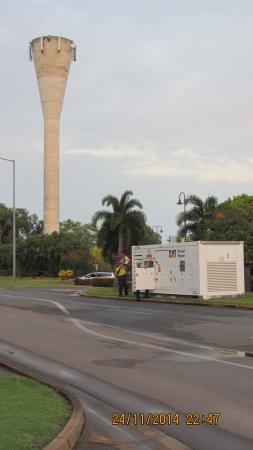 Mercure Darwin Airport Resort : rigging up generator