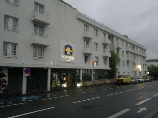 Best Western Plus Vannes Centre Ville : Entrance