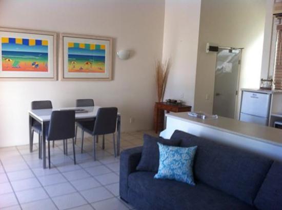 Noosa Sun Lagoon Resort: Dining area
