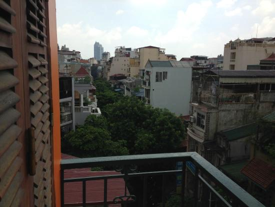 Central Backpackers Hostel : view from room
