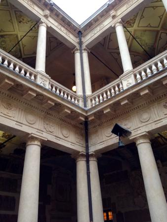 University of Padova: Doppio loggiato