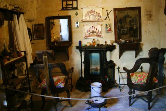 Museo Laboratorio della Civilta Contadina : Il Barbiere