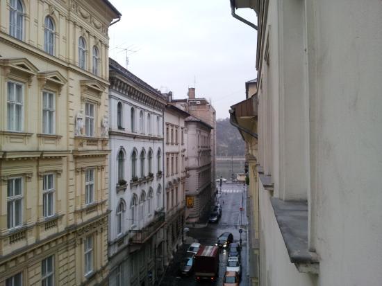 Cosmo City Hotel: vista del danubio