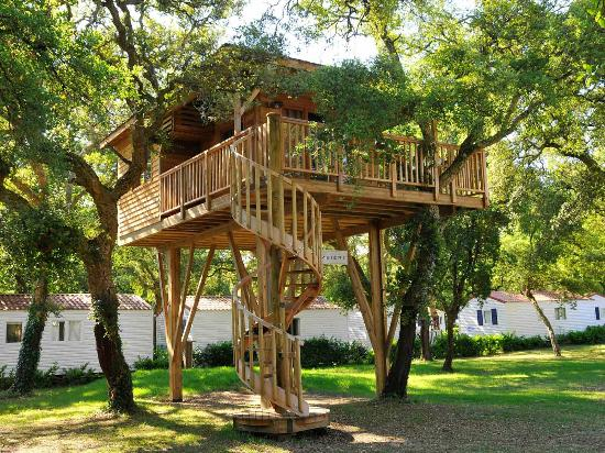 Yelloh ! Village Sylvamar: cabane dans les arbres