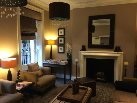 Montagu Place Hotel: Reception area