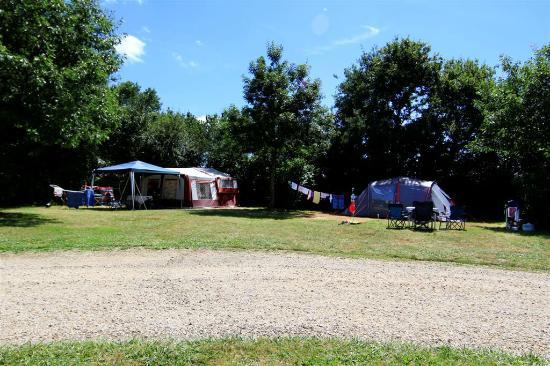 Piscine picture of camping la bretonniere saint julien for Piscine la bretonniere