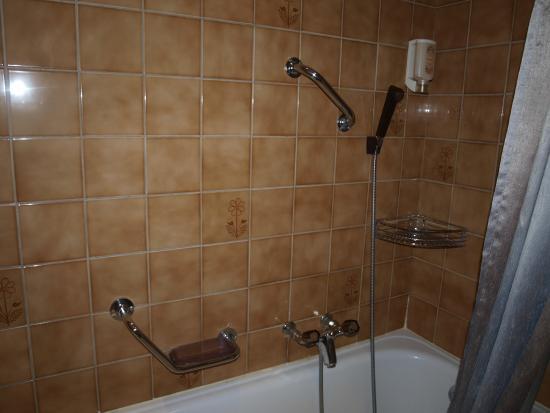 Hotel Les Arcades: Ванна