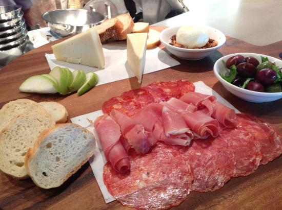 Bellini's Italian Eatery: Meat and Cheese Chef Board