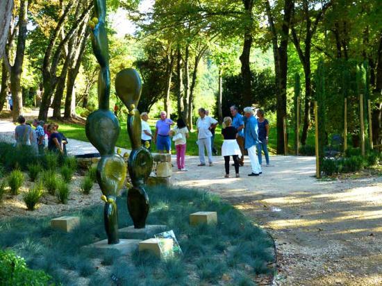 Saint-Victor-des-Oules, France : Visite guidée au Jardin des Oules