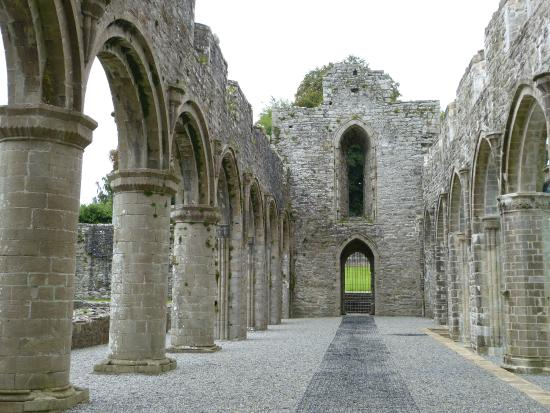 Boyle Abbey : Lookiing down the nave