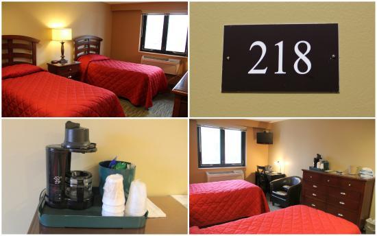 Stone Center Hotel: Room 218