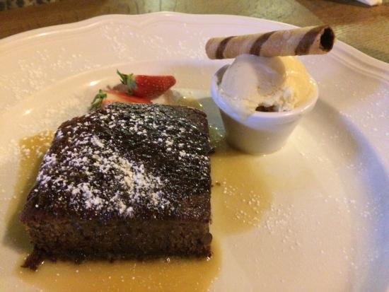 Jolly Farmer: Sticky toffee pudding