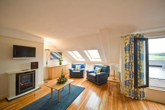 Harbour Mill: Delux Harbour View Living area