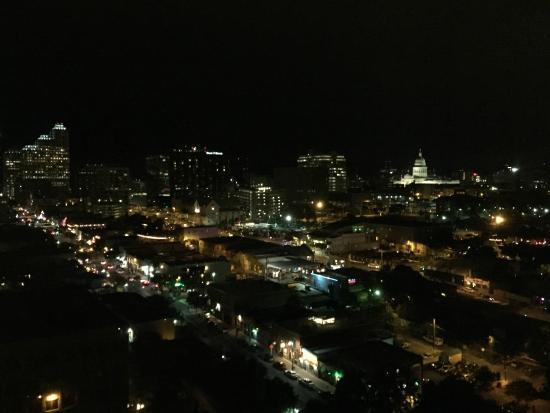Hilton Garden Inn Austin Downtown/Convention Center: Room view on 16th floor