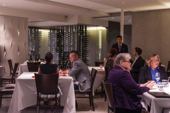 Le Cep Restaurant: Dining Room