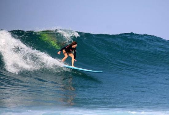 The Inn at Manzanillo Bay : Surf - paddle out from hotel