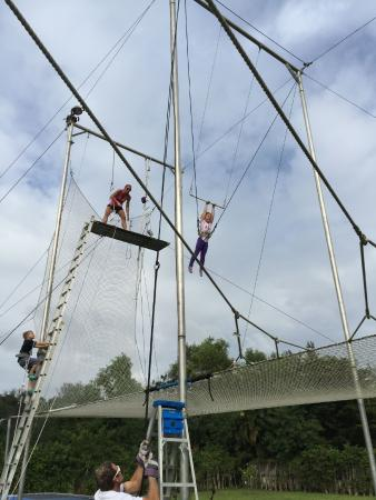 Aerial Trapeze Academy : Trapeze birthday party for the kids