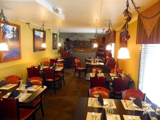 Terrace Inn Grand Lake: Eight Tables for the Restaurant