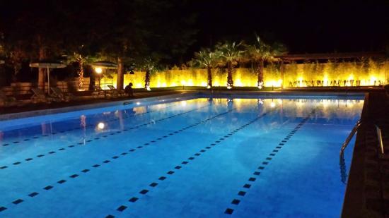 Camping Village Sentinella : piscina