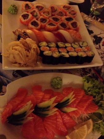 IZUMI - Restaurant - Sushi Bar : Sashimi e sushi misto