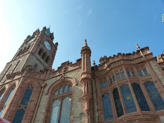 City Sightseeing Derry -  Tour: The Guild Hall