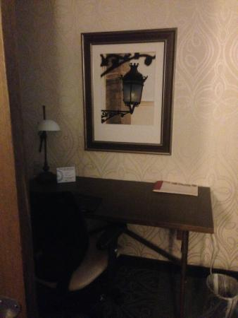 Crowne Plaza Charleston Airport Convention Center: Desk