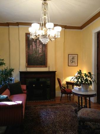 Chester Arthur House B & B at Logan Circle: livingroom
