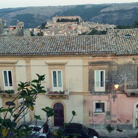 La Dimora di Piazza Carmine: You can see Ragusa Ibla