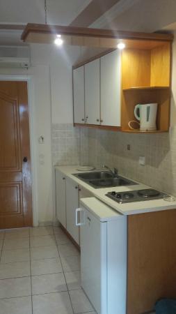 Plaza Pallas Hotel: kitchen