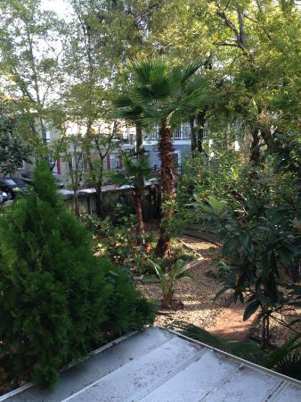 Casablanca Inn on the Bay: The Grounds at the Secret