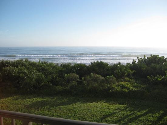 Las Olas Beach Club: View from patio